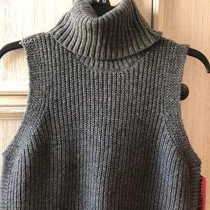 Sleeveless turtle neck tunic sweater